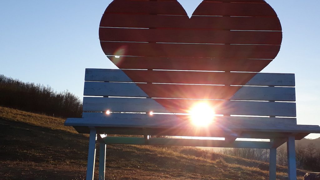 panchina gigante col cuore